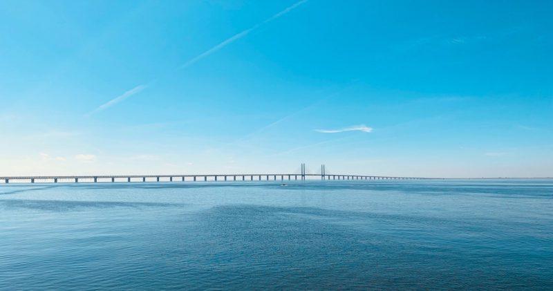 Bro och vatten